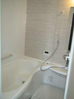 シャワールームを完備しておりますので年間を通して心地よく業務に取り組むことが可能です。